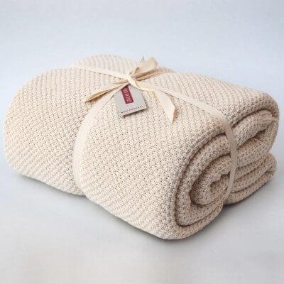 cubre sofà color cru
