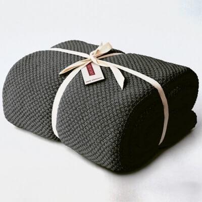 cubre sofá gris plomo