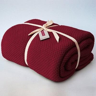 cubre sofà color granat