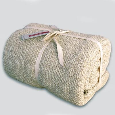 cubre sofà color llí